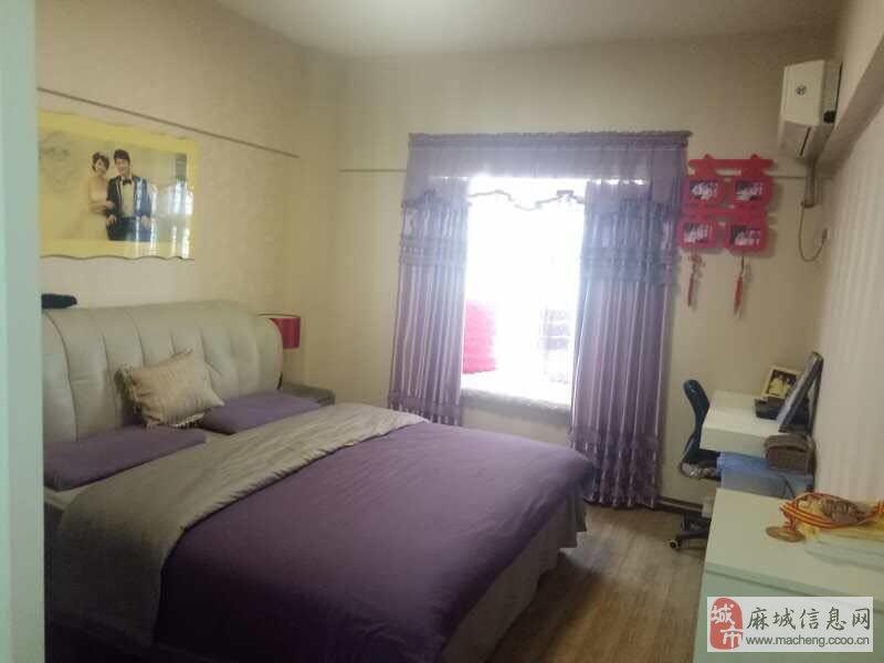 麻城市融辉第一城3室2厅2卫74.5万元华夫人衣柜图片