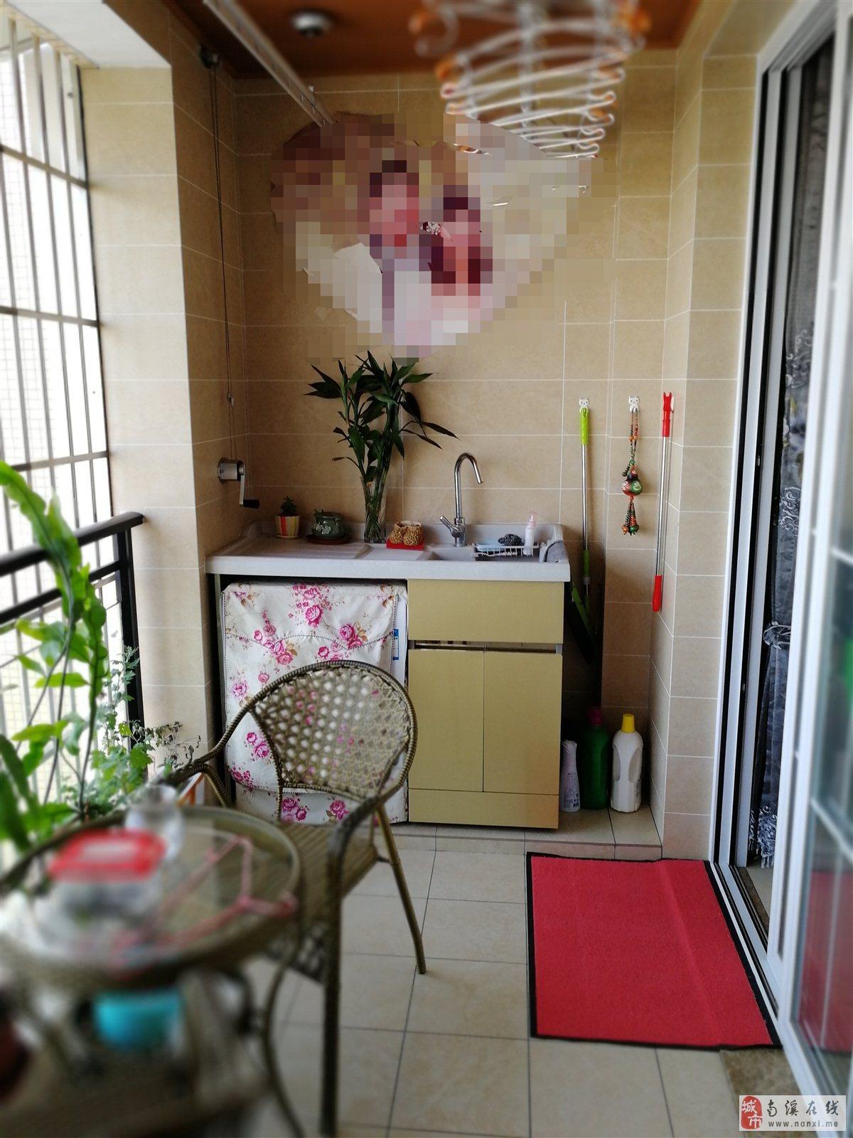 巴塞罗那3室2厅2卫江景房(带产权车位)98万元