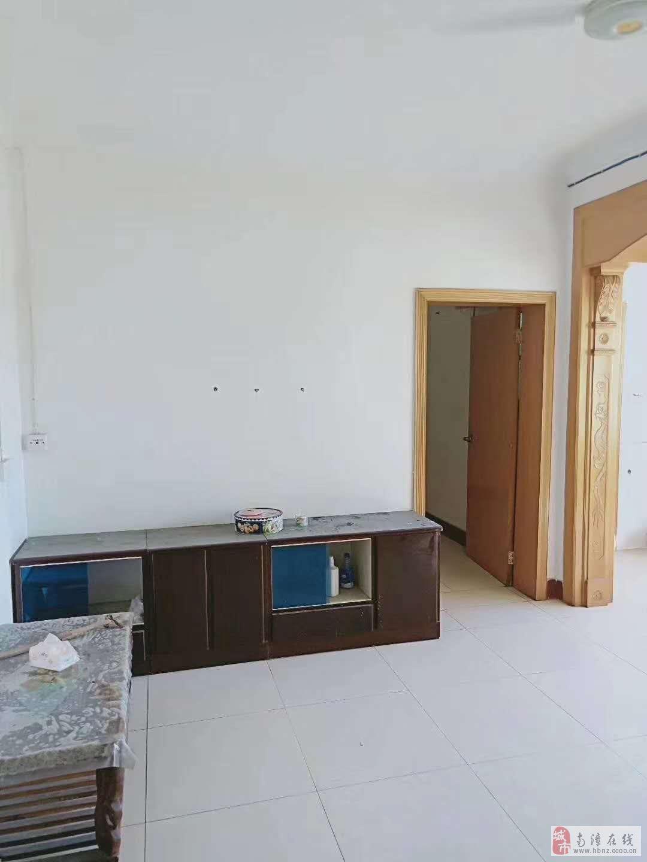 南漳县委党校内单元楼3室2厅1卫26万元