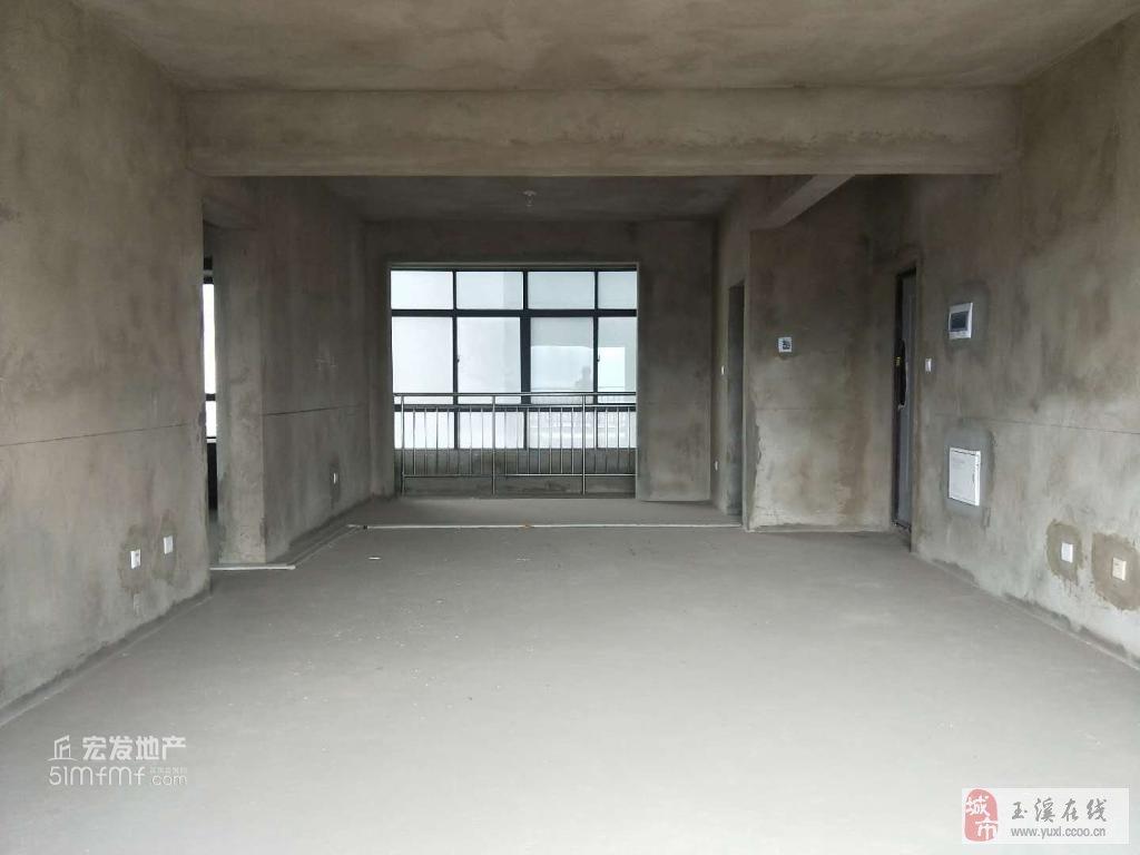 沃尔玛对面建银广场毛房中间楼层152万元