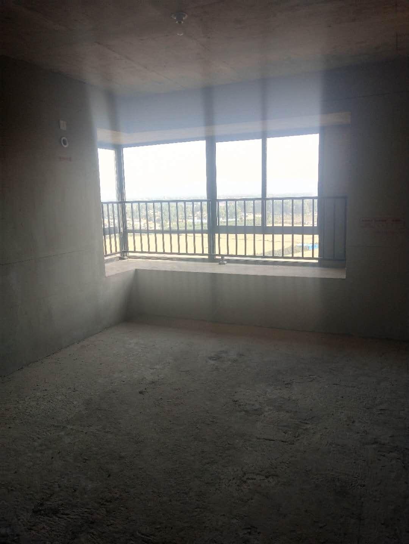 碧桂园4室2厅2卫93万元赠送书房可贷款