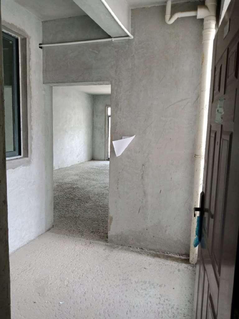 世纪新城3室2厅2卫51万元