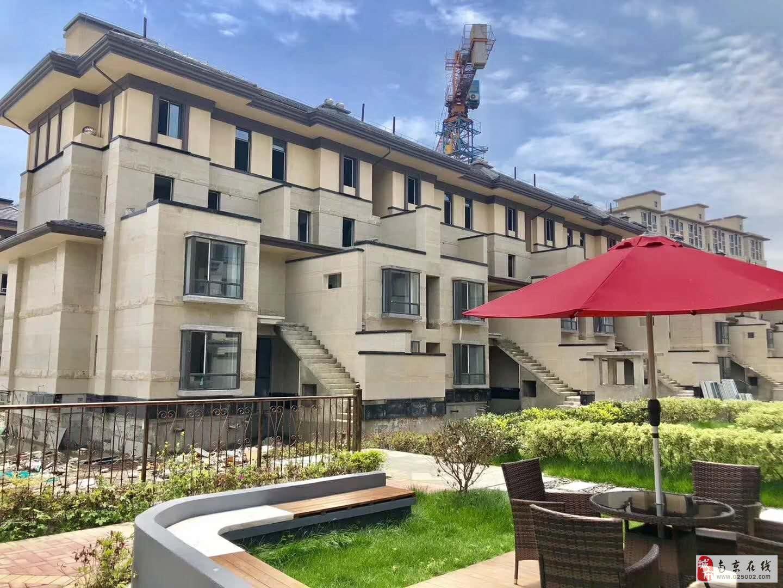 房东出国,急售八百桥地铁口法式别墅,价格可商量。