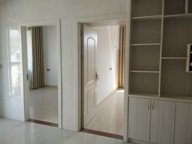 财富中央城小区3室2厅1卫126万元