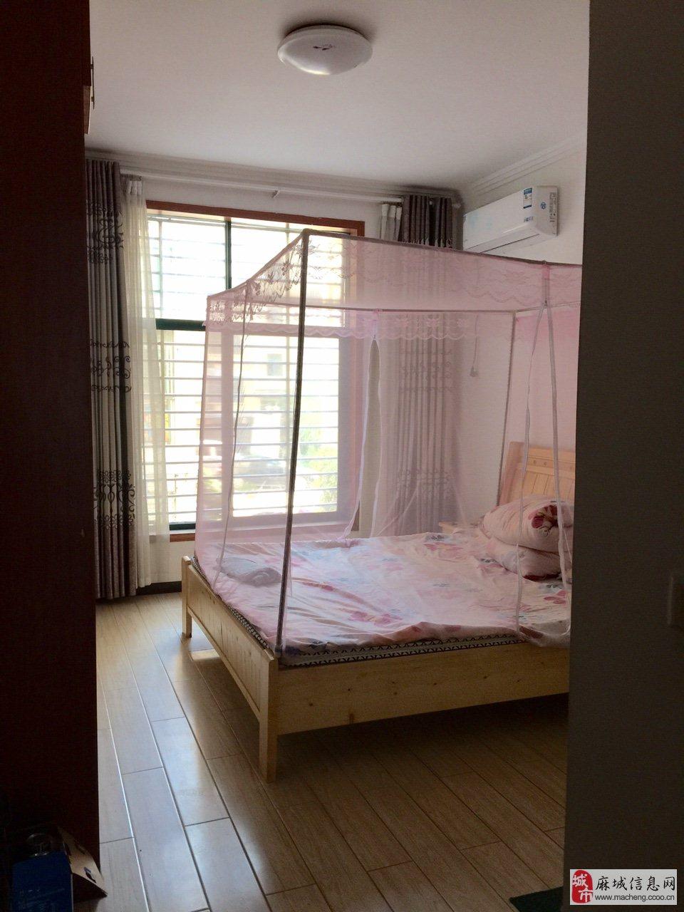 麻城市长江丽都3室2厅2卫精装72万元做石材墙的背景图片