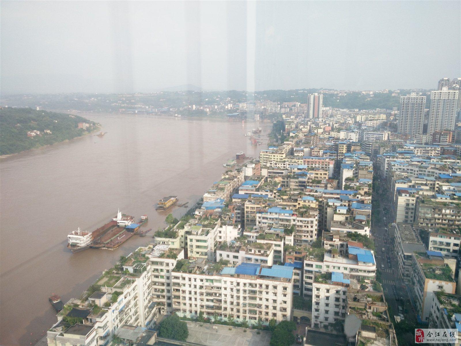 江畔明珠电梯120平米3室两厅双卫正临江66.8万精装