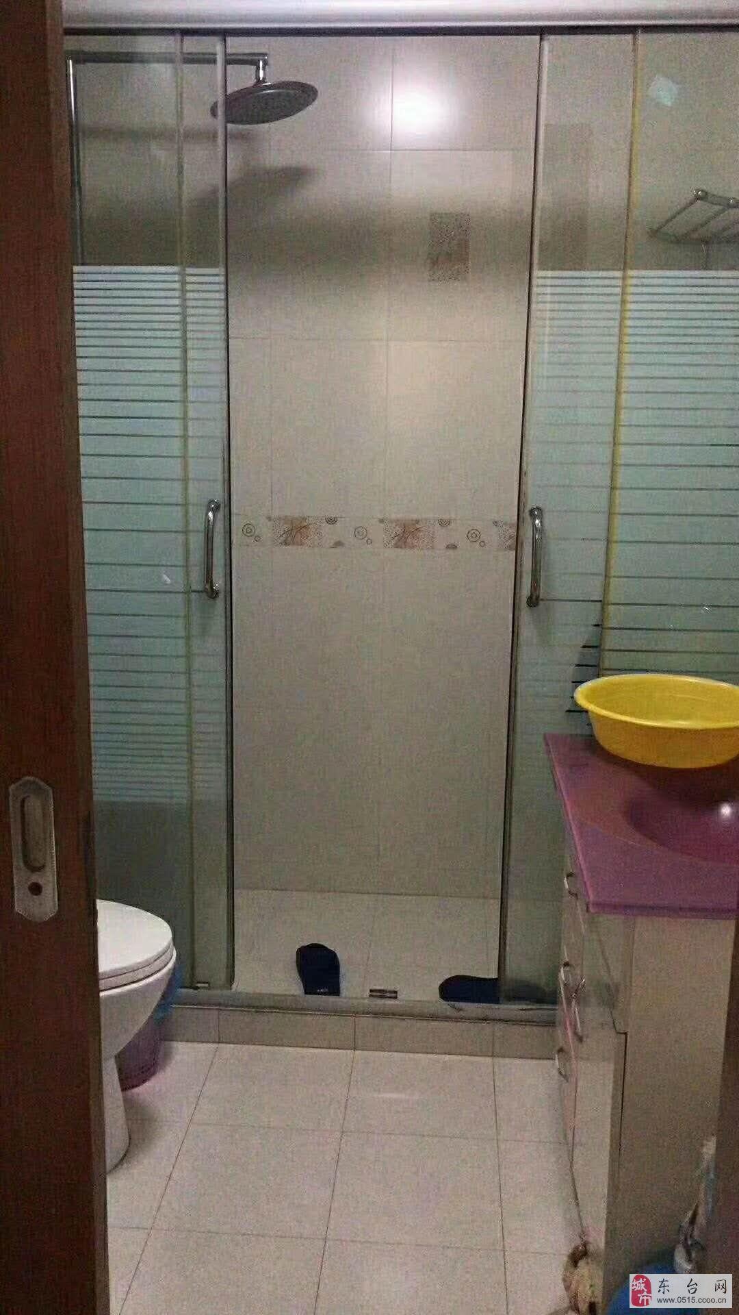 龙晶花园3室2厅1卫102.8万元
