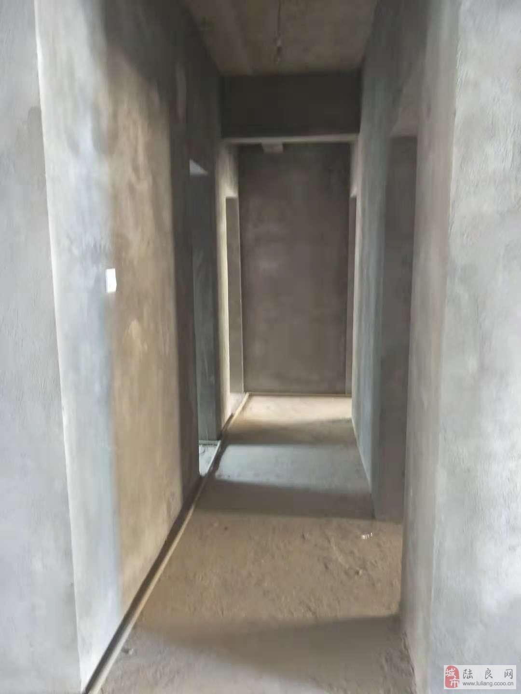 龙湖壹号3室2厅2卫42万元