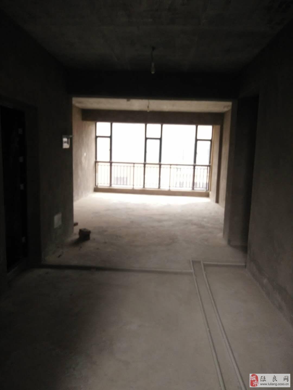康隆新洲4室2厅2卫49万元
