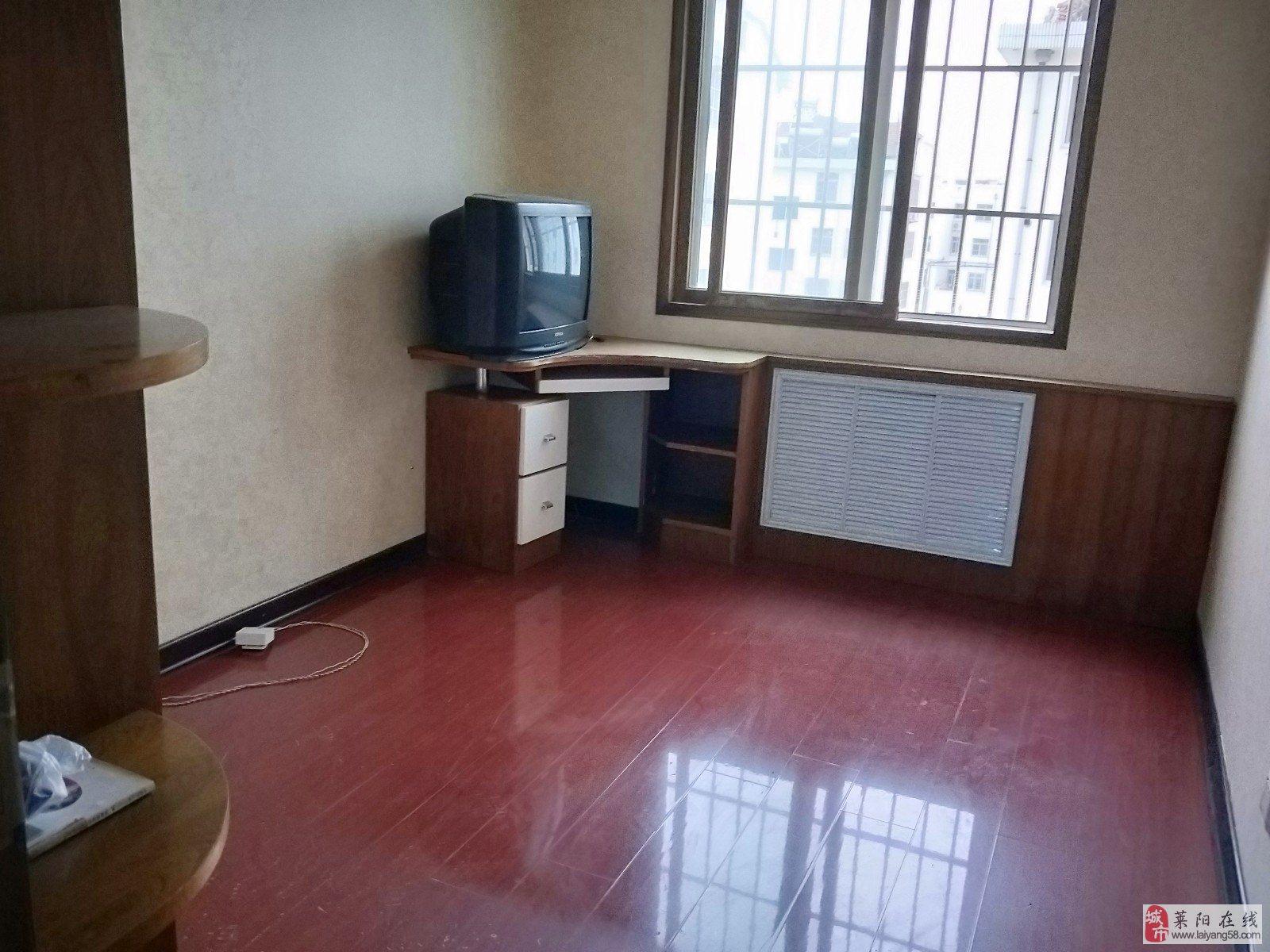 东山小区3室2厅1卫56万元