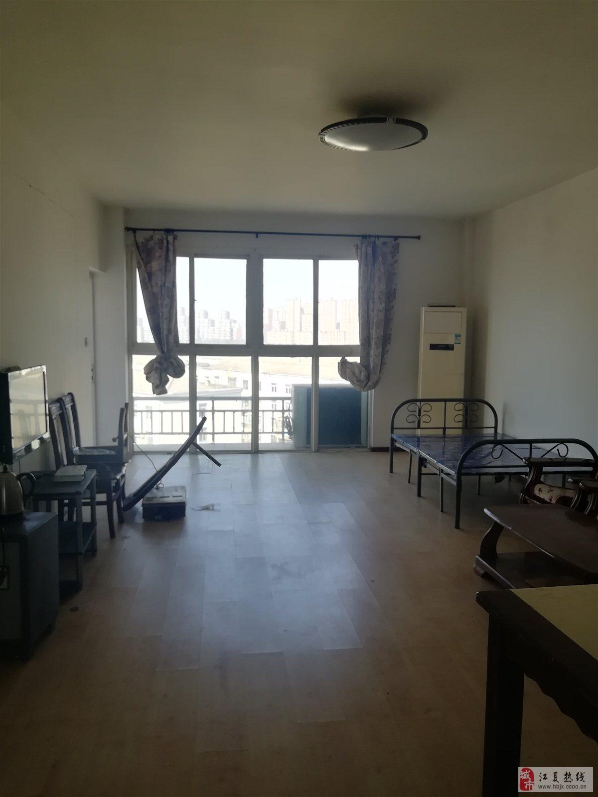 富丽奥林园中装证满5年4室2厅2卫179万元