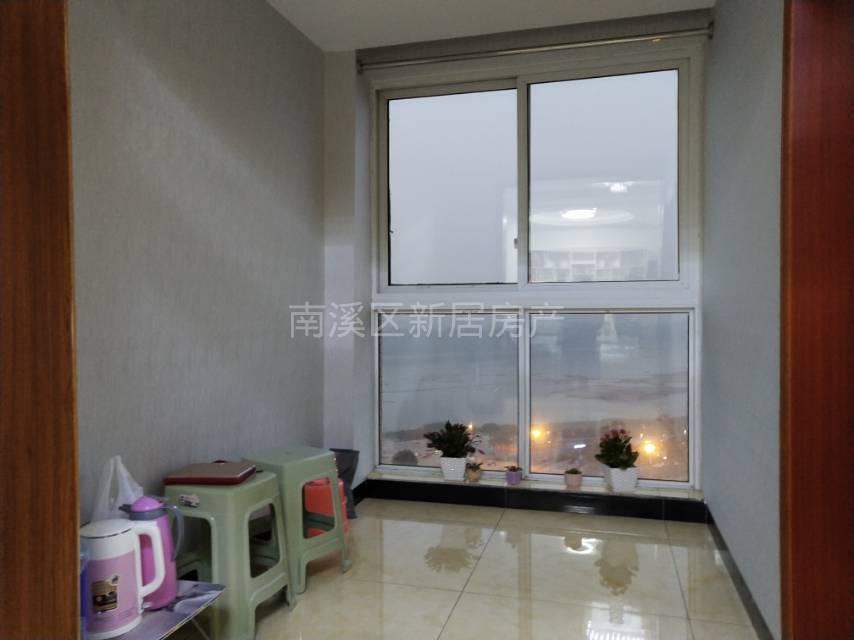 天际上城一线江景房+大两室,单价超低,房东急售