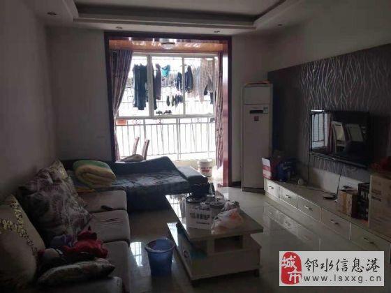 万泰翡翠城2室2厅1卫紧邻广场和学校交通方便