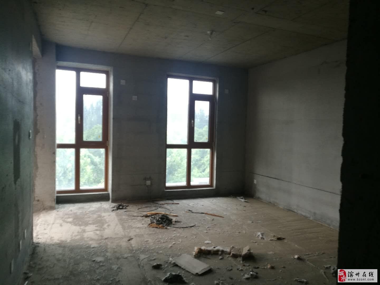 逸品苑别墅5室3厅3卫330万元配合贷款