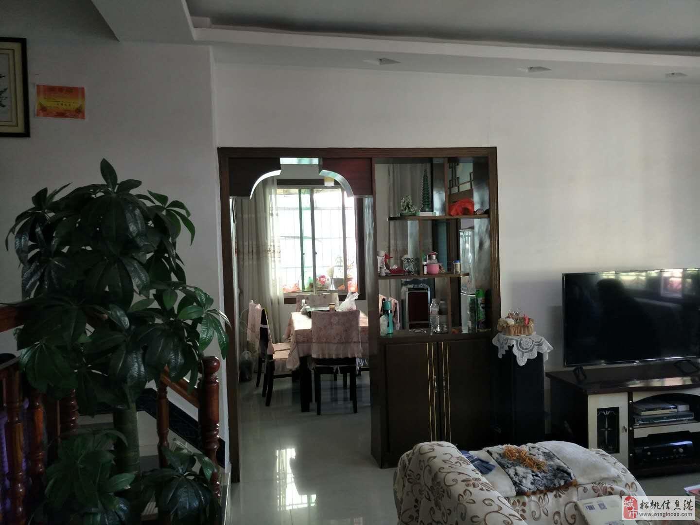 龙塘湾步梯3室2厅1卫29.8万元关门出售