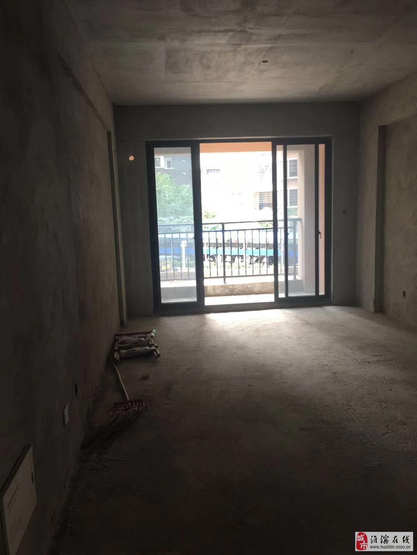 海南省怡心花園二期3室1廳1衛38萬元