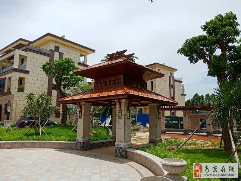 海南儋州联排别墅5室2厅4卫176万元