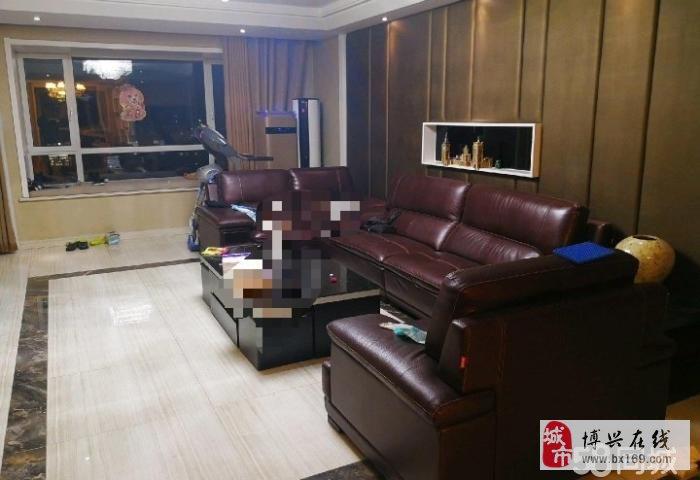 1323渤海锦绣城4室2厅2卫220万元