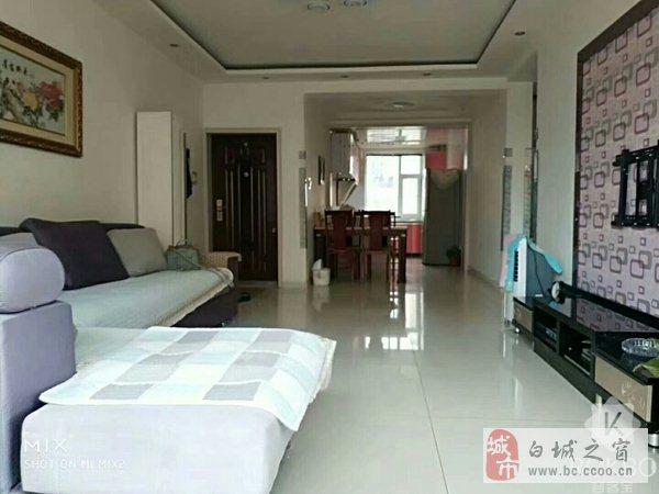 瀚海名城3楼93平米南北现代格局地热婚房!