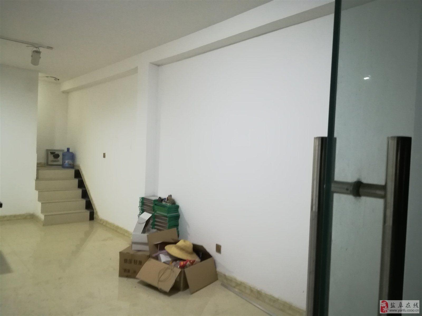 阜寧寶豐國際商博城2室0廳1衛35萬元