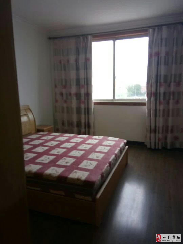 北明霞小区中装3室2厅1卫126平米93万元赠附房