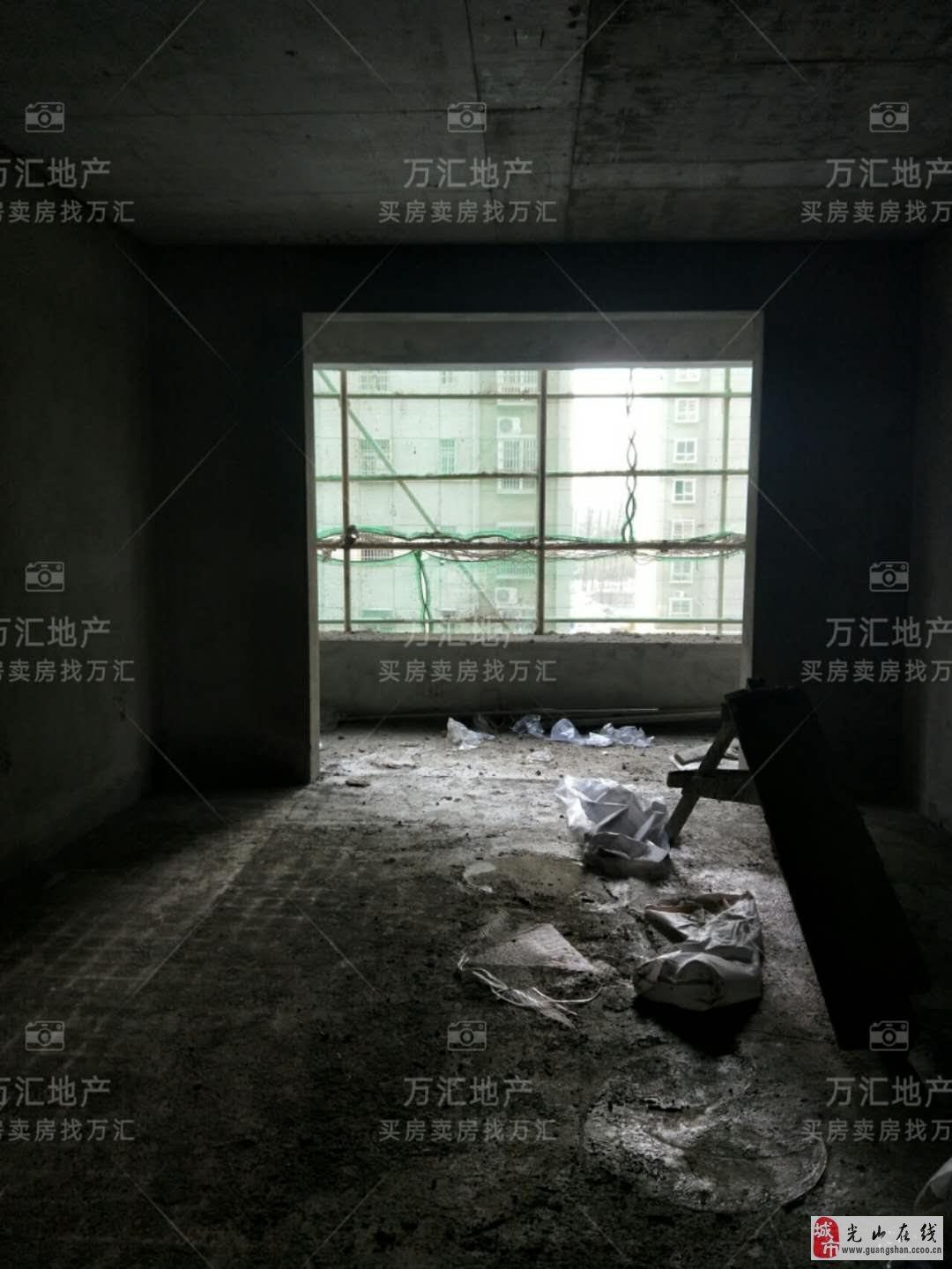大广花园3室2厅1卫82万元