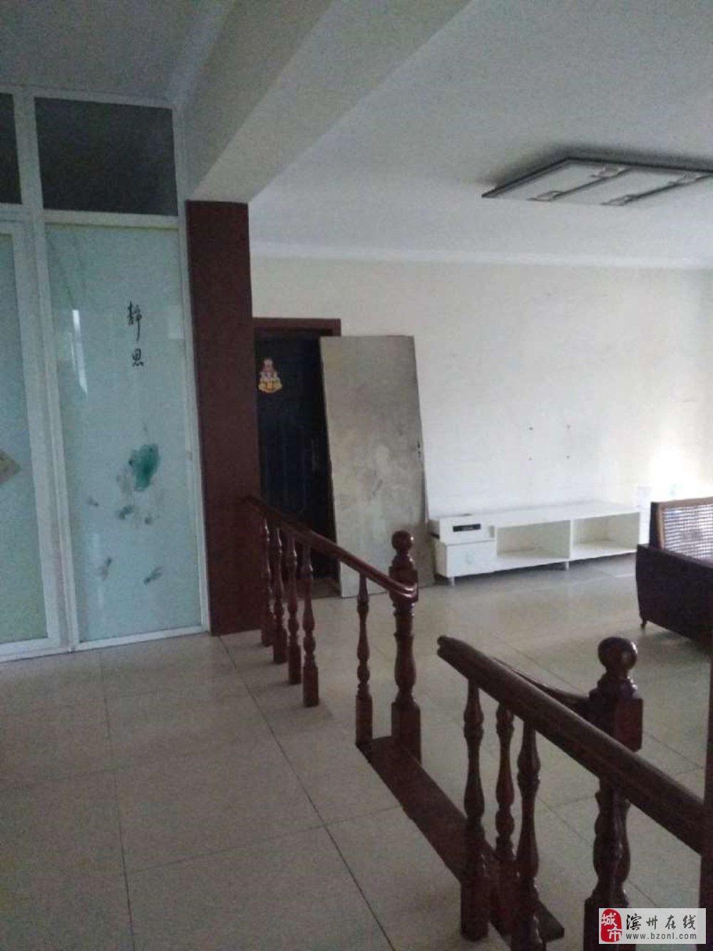 现代城4室2厅2卫130万元