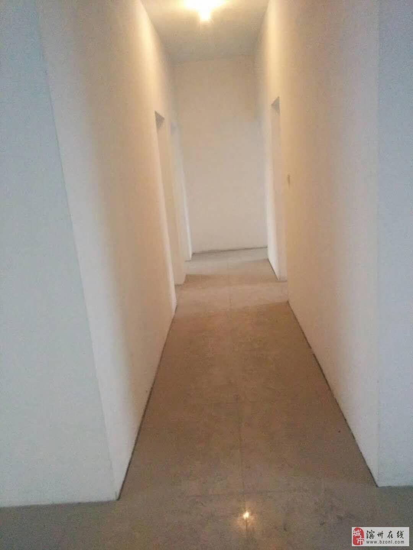 北海工商小区5室4厅3卫149万元5+6楼复式