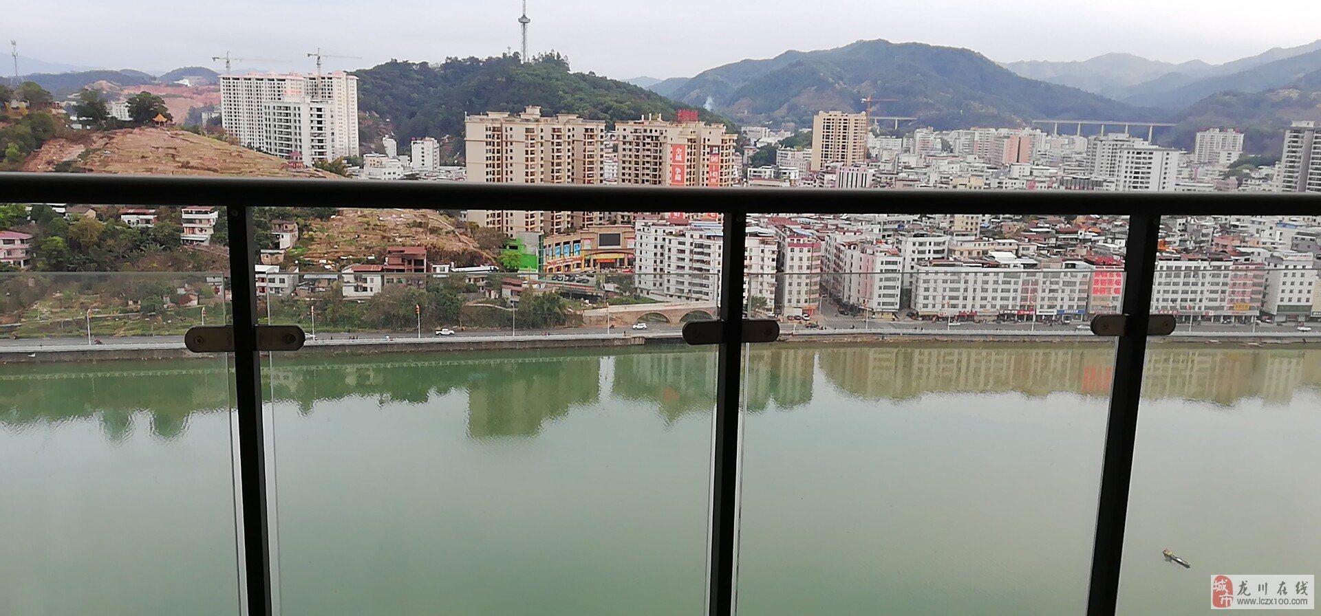 江畔湾二期154平米高层电梯毛坯江景四房售99.6万