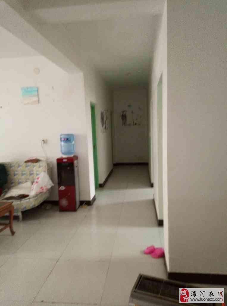 超低价房源140㎡4室2厅带装修好楼层急售!