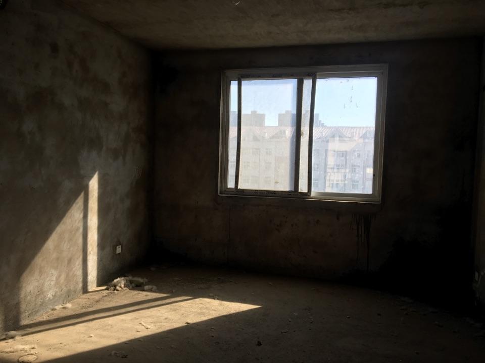 天鹅湖6楼117㎡+送70㎡阁楼户型好价格低