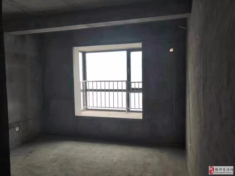 恒硕新都汇4室2厅3卫100万元