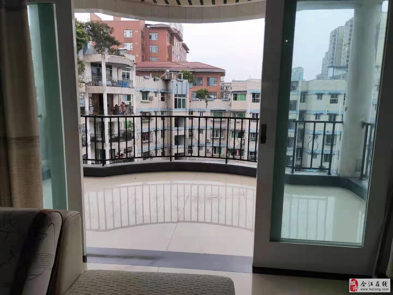 泸龙豪苑3室2厅2卫66.8万元