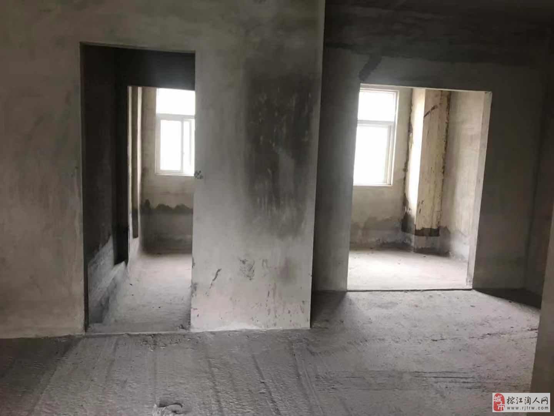 江景名城3室2厅2卫每平方3920