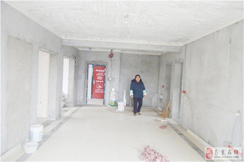 影城新苑3室2厅2卫3楼西边户88万元