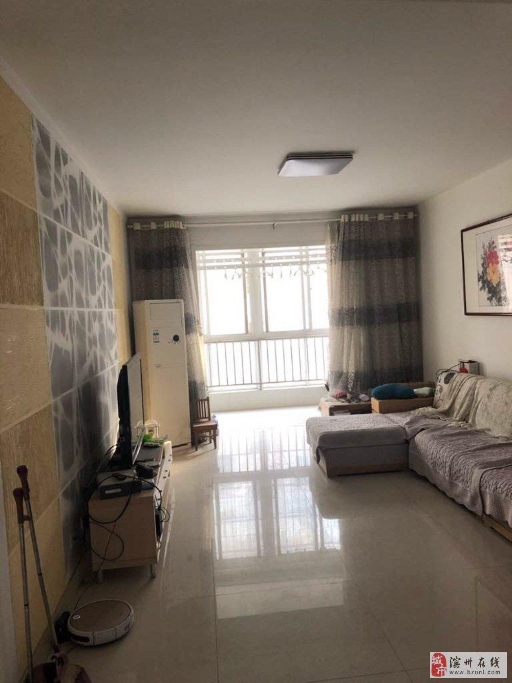 華晨小區2室2廳1衛90萬元