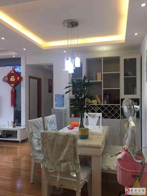 鸿海−−金惠大厦4室2厅2卫