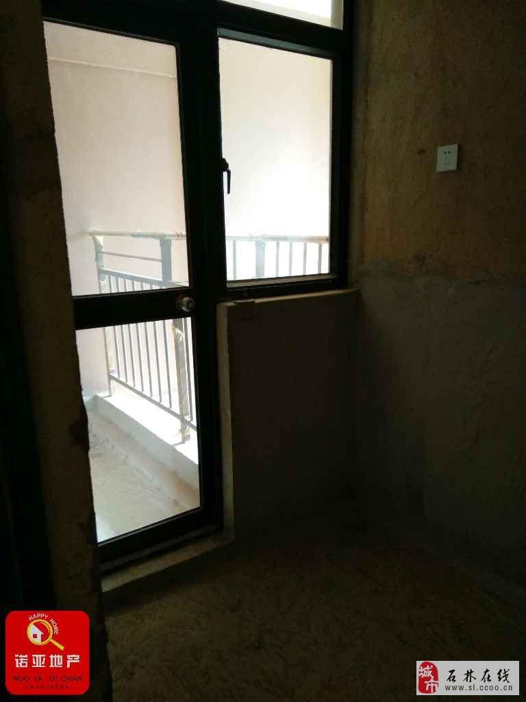 世纪阳光7楼65平米毛坯2室1厅1卫26万元