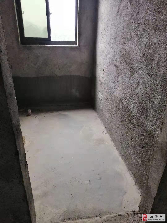 峰尚国际3室2厅2卫72万元
