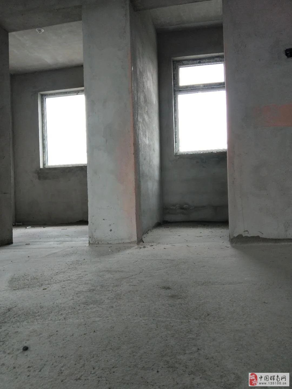 开发区4室2厅2卫47万元
