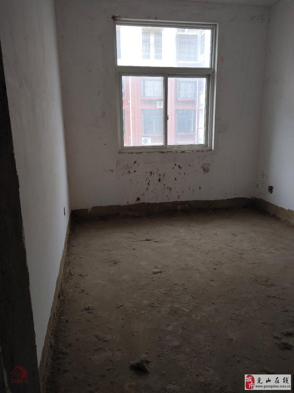 半岛国际城3室2厅2卫75万元