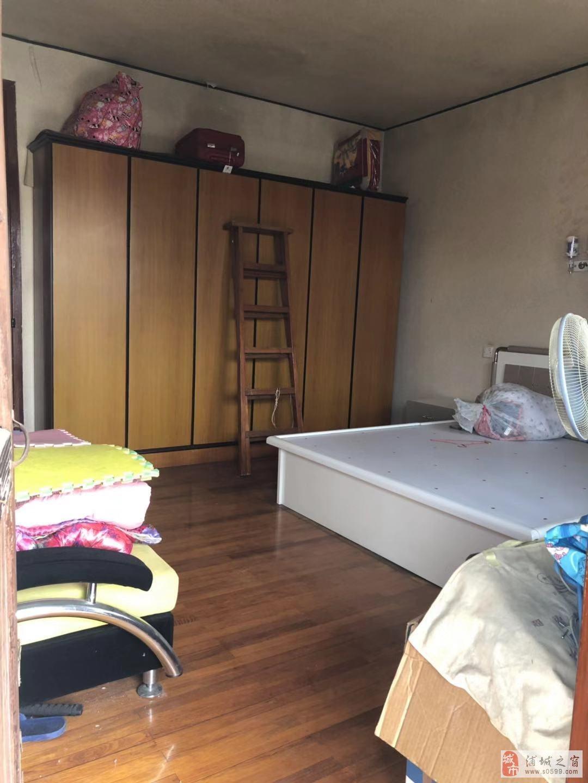 兴浦路(靠近新圆弧)3室2厅1卫68.8万元