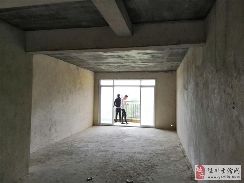 龙腾嘉园4室2厅2卫57万元业主投资需要资金急售钥匙在