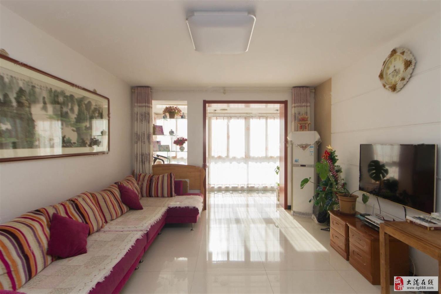 出售:春港花园4楼121平132万,三室跨厅通厅,户型佳
