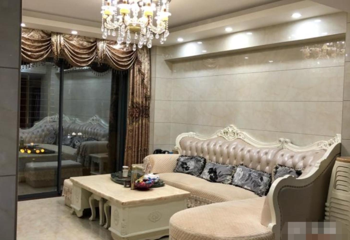 景糖家园3室2厅2卫155万元