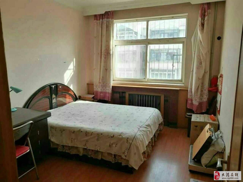 出售福苑里4楼两室两厅97.27平86万,无税
