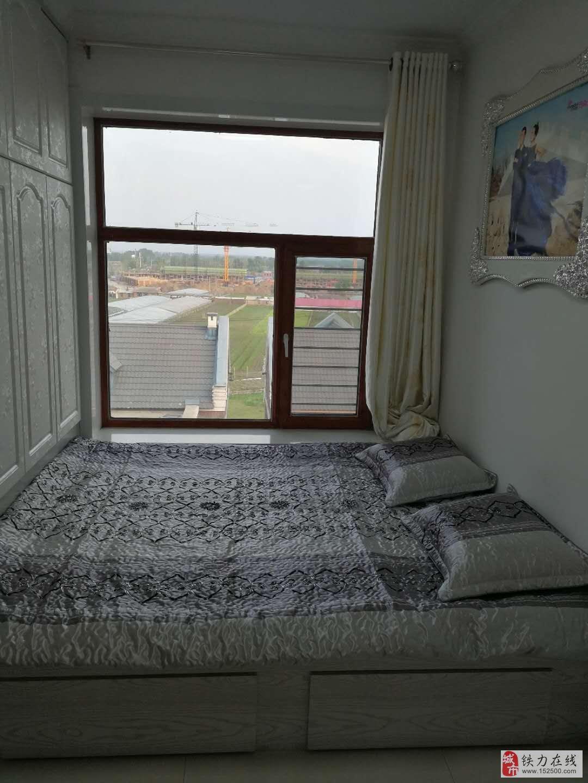 龙悦新城9号楼4单元6楼23万出售,精装修