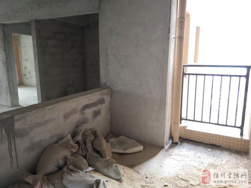 碧桂华庭3室2厅2卫钥匙在我这里业主去深圳发展