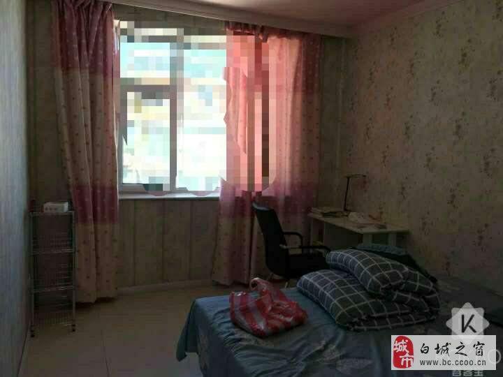 2室1厅1卫60万元