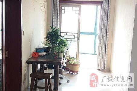 东方丽景7楼150平,精装未住,证快满2年